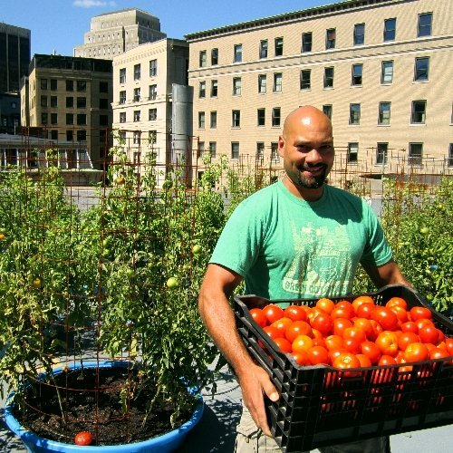 Rooftop container farming at b.good